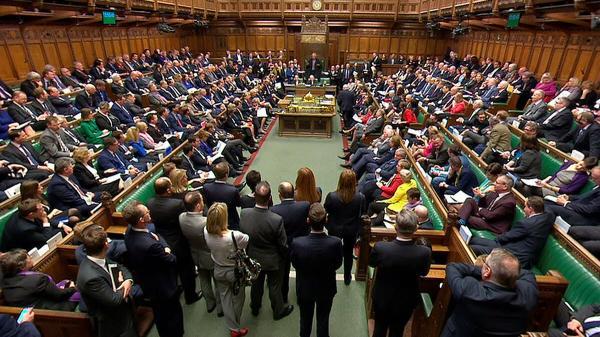 بريطانيا: أعضاء البرلمان في خطر