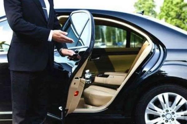 سيارات الدولة بالمزادات العلنية تُطيح بشبكة تمتهن النصب والاحتيال