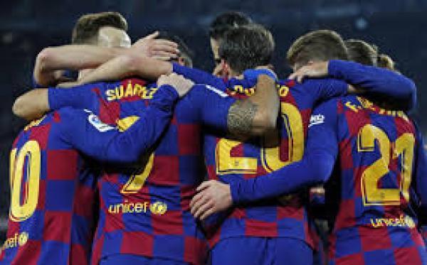 لاعبو برشلونة يرفضون مقترح تخفيض أجورهم