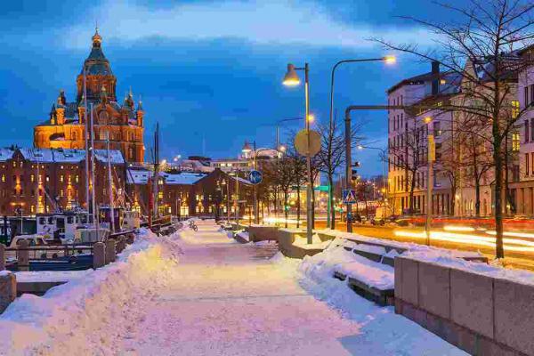 """الفنلنديون يتساءلون: هل """"ألغي"""" فصل الشتاء هذه السنة في جنوب البلاد؟"""