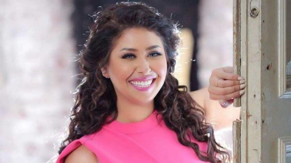 إحالة مطربة مصرية للتحقيق بعد ادعاء إصابتها بكورونا أثناء عودتها من المغرب