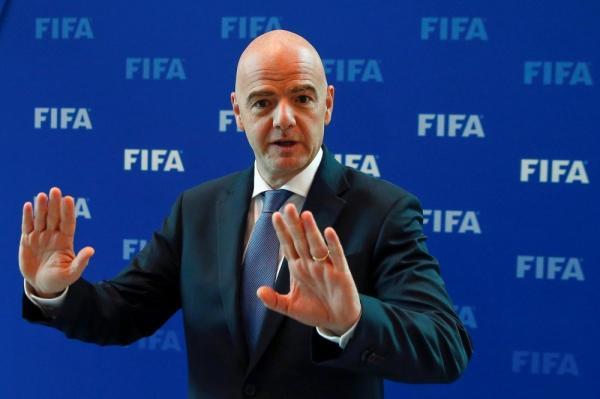 """""""الفيفا"""" تتخذ قرارا جديدا حول إعارة اللاعبين من شأنه أن يبعثر أوراق الأندية"""