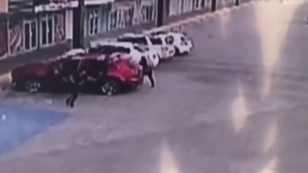"""اغتيال الضابط الذي اعتقل نجل """"إل تشابو"""" امبراطور المخدرات المكسيكي"""