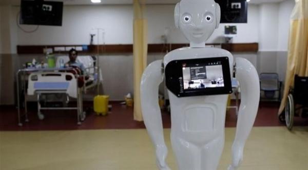 روبوت يساعد مرضى كوفيد-19 على التواصل مع ذويهم