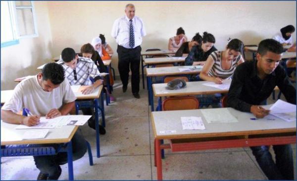"""وزارة التربية الوطنية تزف خبرا سارا للمترشحين الذين تخلفوا عن اجتياز امتحانات الأولى """"باك"""" بدون عذر"""