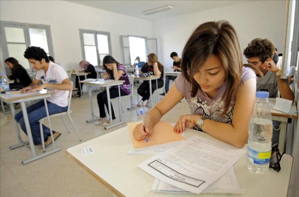وزارة التعليم تكشف حقيقة إلغاء الدورة الاستدراكية وتغيير عتبة النجاح