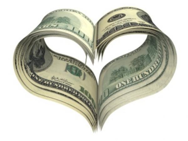 دراسة: الرجال يضحون أكثر من النساء للحصول على المال