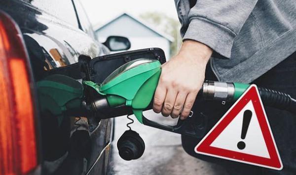 هل تعبئة خزان الوقود بالكامل في الصيف يضر بالسيارة؟