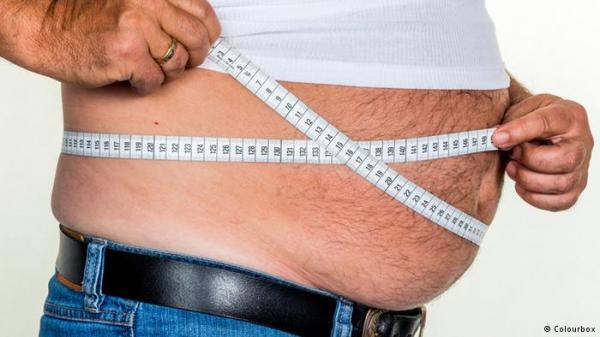 لهذا السبب يزداد وزننا بسهولة في سن الشيخوخة!