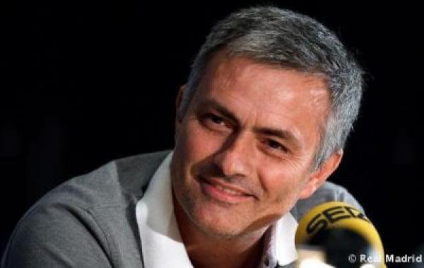 جماهير ريال مدريد تبارك عودة مورينيو