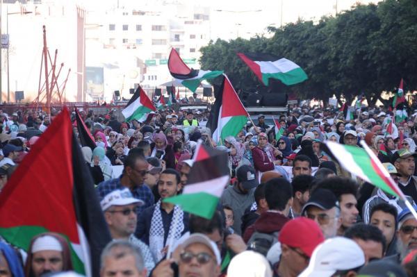 """الآف المغاربة في مسيرة وطنية حاشدة رفضا ل""""صفقة القرن"""" (صور)"""