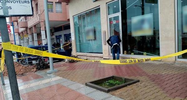 """عصابة خطيرة تسلب مبلغا ماليا كبيرا من مستخدم قرب وكالة بنكية ورجال """"الحموشي"""" يتحركون بسرعة"""