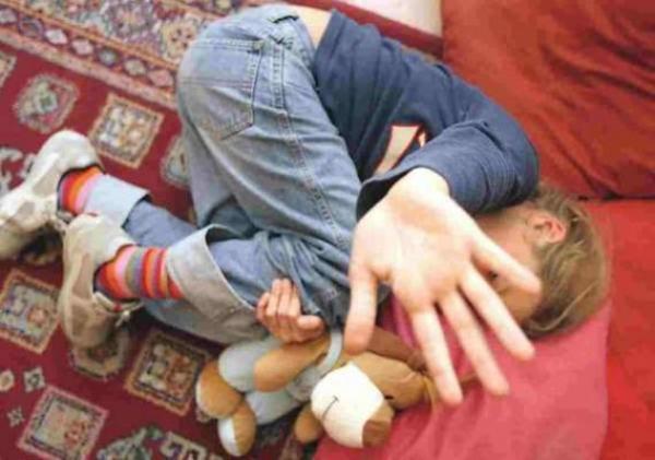 """اعتقال موظف جماعي بعد تورطه في """"اغتصاب"""" أطفال قاصرين"""