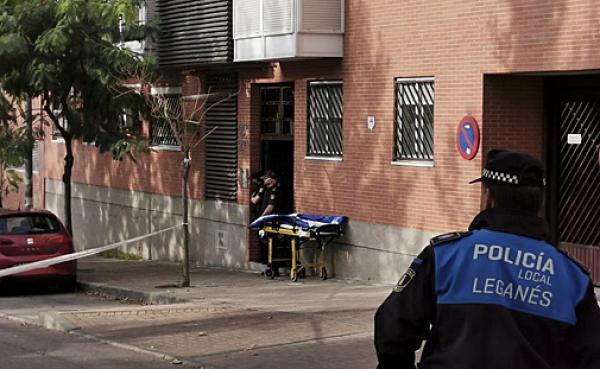 """مهاجر مغربي بإسبانيا يقوم بفعل جنوني بسبب """"الغيرة""""!"""