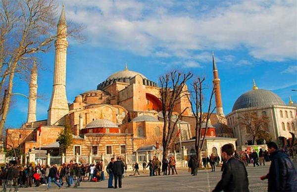 محكمة تركية ترفض السماح للمسلمين بالصلاة في متحف آيا صوفيا