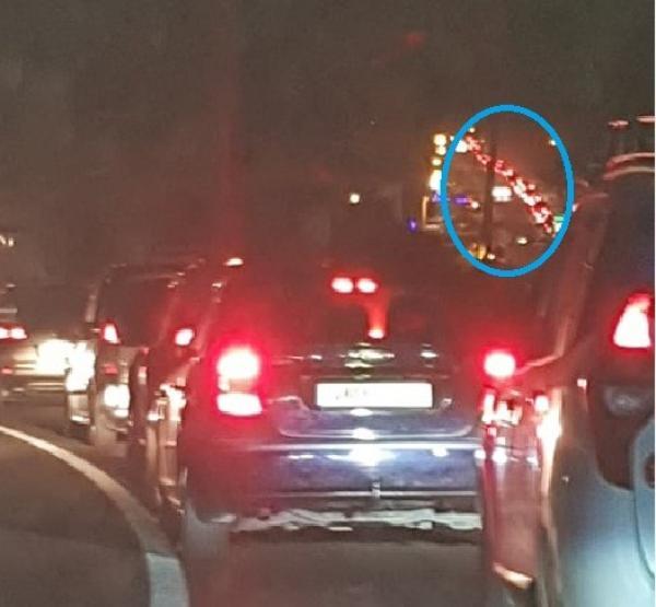ويتواصل الاختناق...مواطنون يعلقون لساعات بين واد لو وتطوان وهذا ما أثار غضب السائقين