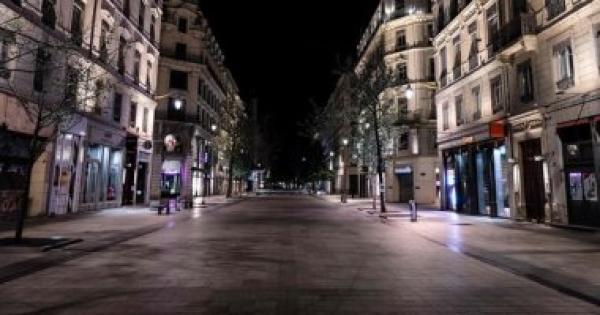 الموجة الثانية لفيروس كورونا تدفع فرنسا إلى توسيع بقعة المدن التي سيشملها حظر التجول الليلي