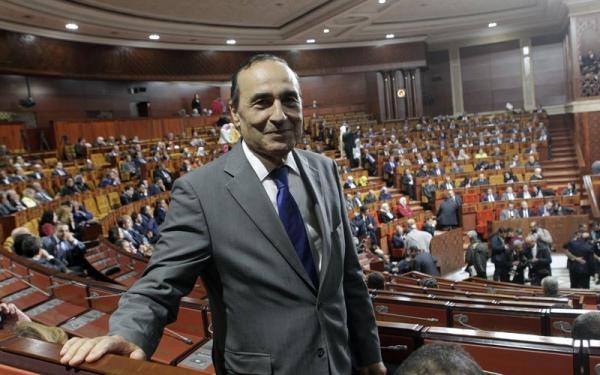 """رئيس مجلس النواب ينبه البرلمانيين بسبب الهندام """"غير اللائق"""""""