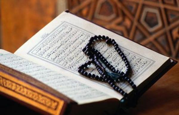حال النبي مع القرآن