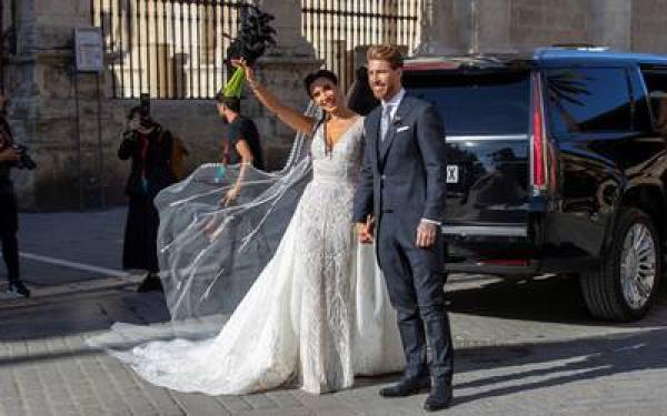 بيكهام ونجما برشلونة أبرز الحاضرين في حفل زواج راموس