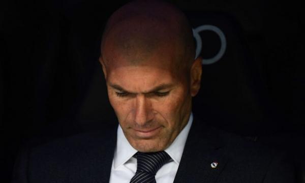 زيدان يغادر معسكر ريال مدريد!