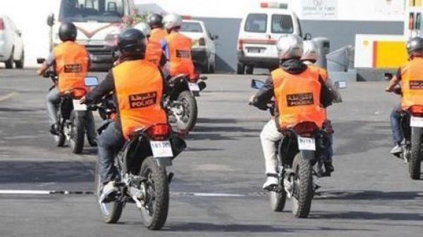 دورية دراجين يضطرون لإشهار أسلحتهم