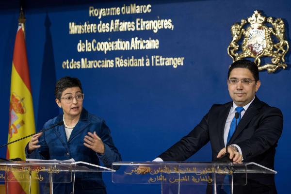 """انقسامات داخل الحكومة الإسبانية بسبب عواقب استقبال """"إبراهيم غالي"""" وتحميل وزيرة الخارجية المسؤولية"""