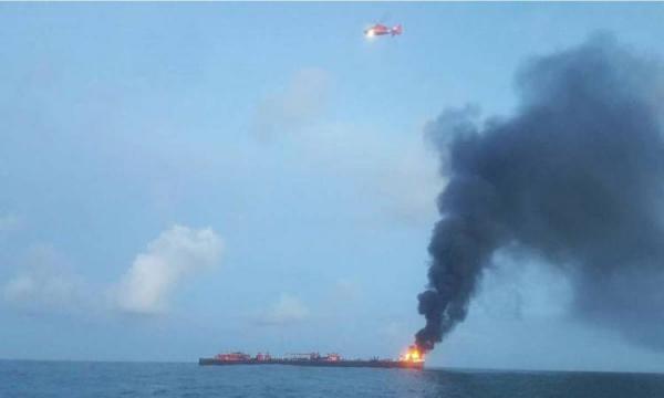 حريق يلتهم سفينة شحن إيطالية قبالة جزر البليار