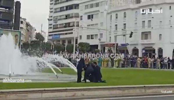 القبض على شاب حاول اعتراض الموكب الملكي بالرباط (فيديو حصري)