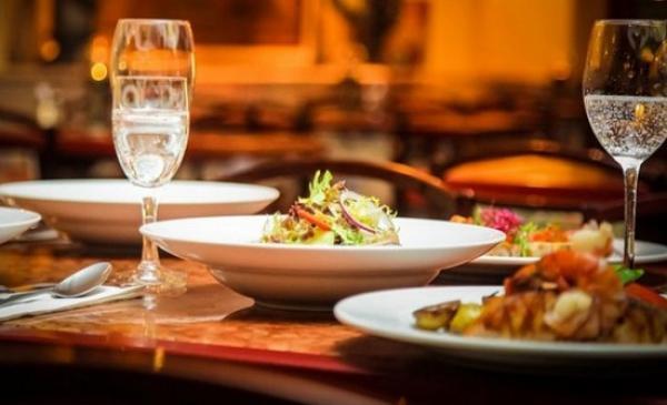 السلطات تغلق 7 مطاعم مصنفة بطنجة بسبب هذه المخالفات