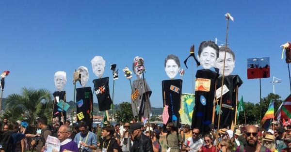 فرنسا..آلاف الأشخاص يتظاهرون ضد جي 7