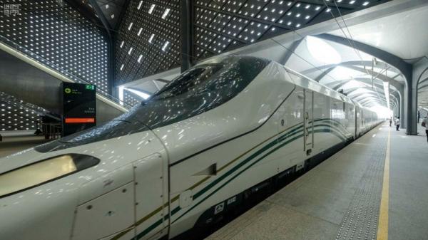 قطار الحرمين السريع ينقل الحجاج بين مكة والمدينة للمرة الأولى خلال موسم الحج