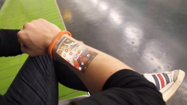 شاشة عرض مبتكرة تثبت على البشرة ..آخر صيحة في عالم التكنولوجيا