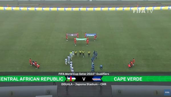 غرائب الكرة الأفريقية .. مباراة ضمن تصفيات المونديال تجرى بدون خط ودائرة منتصف الملعب