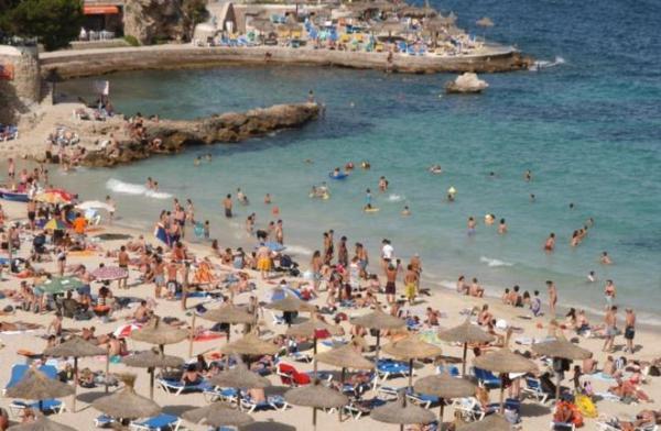 إسبانيا تعفي السياح الأجانب من الحجر الصحي ابتداء من فاتح يوليوز