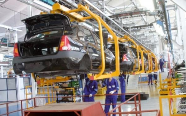 السيد العلمي :صناعة السيارات أصبحت القطاع المصدر الأول للمغرب