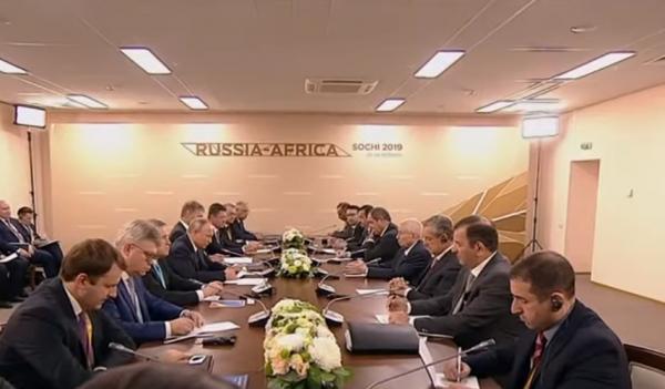غضب في الجزائر من لقاء بن صالح مع بوتين..لماذا؟