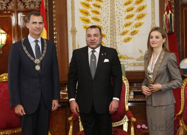 الملك محمد السادس يهنئ عاهلي المملكة الاسبانية