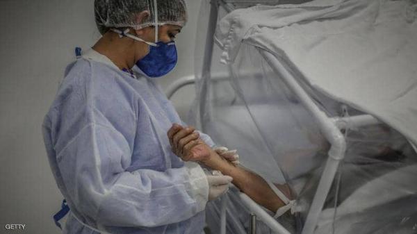 مأساة ..أب يموت حزنا على إصابة نجله بكورونا والإبن يلحق به بعد 4 أيام