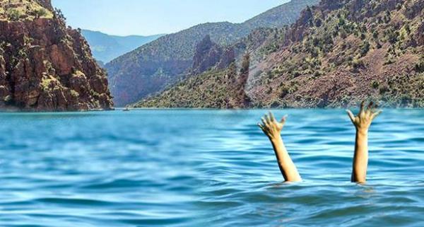 فرق الغواصين التابعة للدرك الملكي تتدخل لانتشال جثة شاب غريق بحيرة بين الويدان