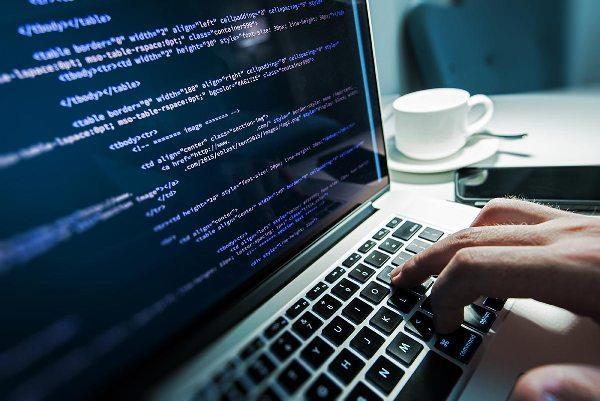 ما هي البرامج مفتوحة المصدر وكيف يمكن التعامل معها ؟