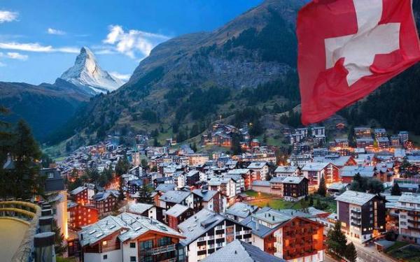 سويسرا تسمح بالتجمعات التي تضم أكثر من 1000 شخص اعتبارا من فاتح أكتوبر القادم