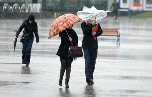 المرجو الحذر...زخات مطرية ورياح قوية منتظرة اليوم بعدد من مناطق المملكة