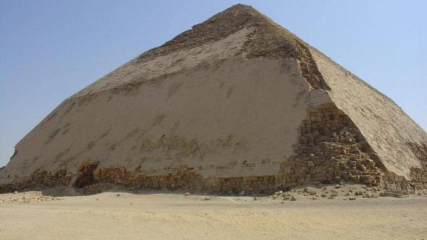 كشف جديد عن عدد من المعالم الأثرية بمصر و إعادة افتتاح هرم سنفرو المنحني
