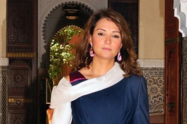 """المليارديرة المغربية """"هند العشابي"""" تُغادر سجن العرجات بعد سنتين من الاعتقال"""