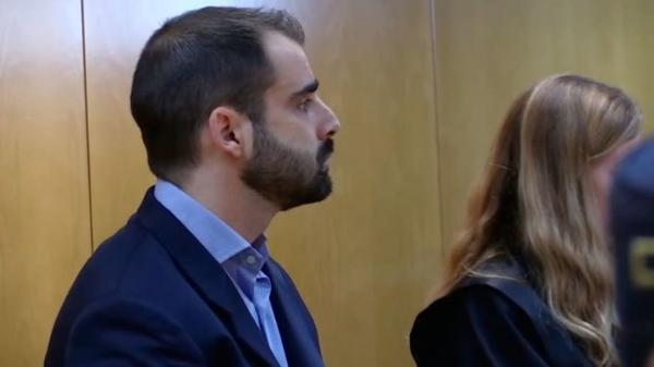 """تخفيض عقوبة الشرطي الاسباني الذي قتل مغربيا ب 14 رصاصة لسبب """"غريب""""!"""