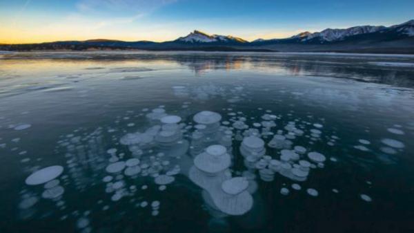 علماء يتوصلون الى اكتشاف غامض تحت قيعان محيطات العالم!