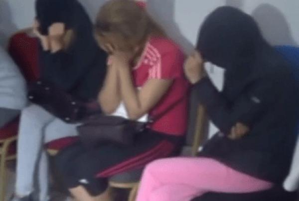 """السلطات الإندونيسية تمنع سائحات مغربيات من دخول أراضيها بسبب """"العاهرات"""""""