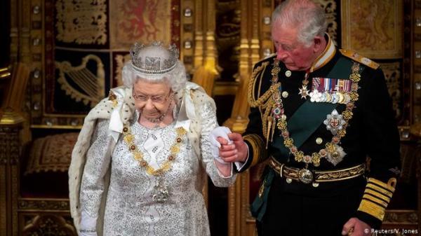 ملكة بريطانيا تخرج عن تقليد ملكي عمره مئات السنين