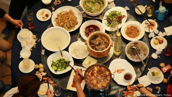 قانون لتضييق الخناق على المسرفين للطعام في الصين